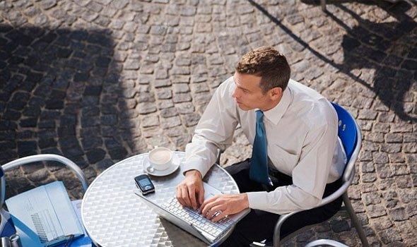 نصائح حول كيفية الحفاظ على المعلومات الشخصية بأمان خلال السفر