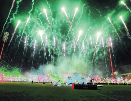 عروض الألعاب النارية تلون سماء دبي حتى 16 سبتمبر