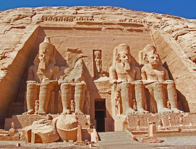 بالصور تعرف على اشهر 10 معالم سياحية تستحق الزيارة في مصر